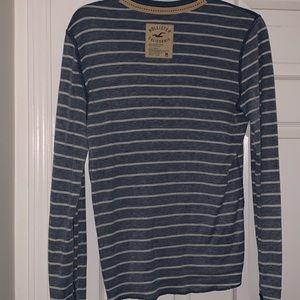 Hollister Sweaters - Men's hollister crewneck sweater. Medium